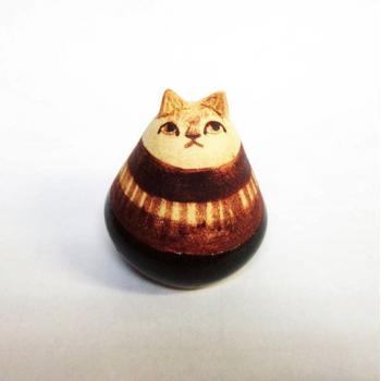 ネコの置物(小)