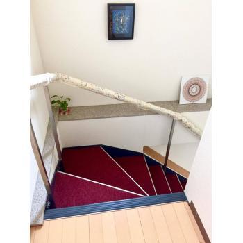 階段の踊り場で瞑想タイム♪