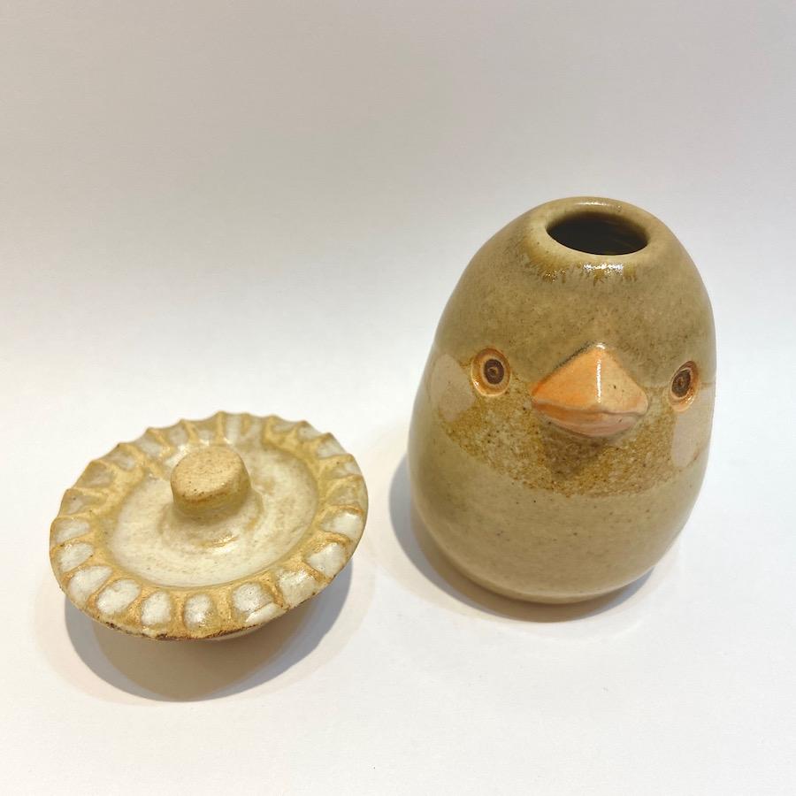 文鳥の花いれ(シナモン、キノコハット)-1