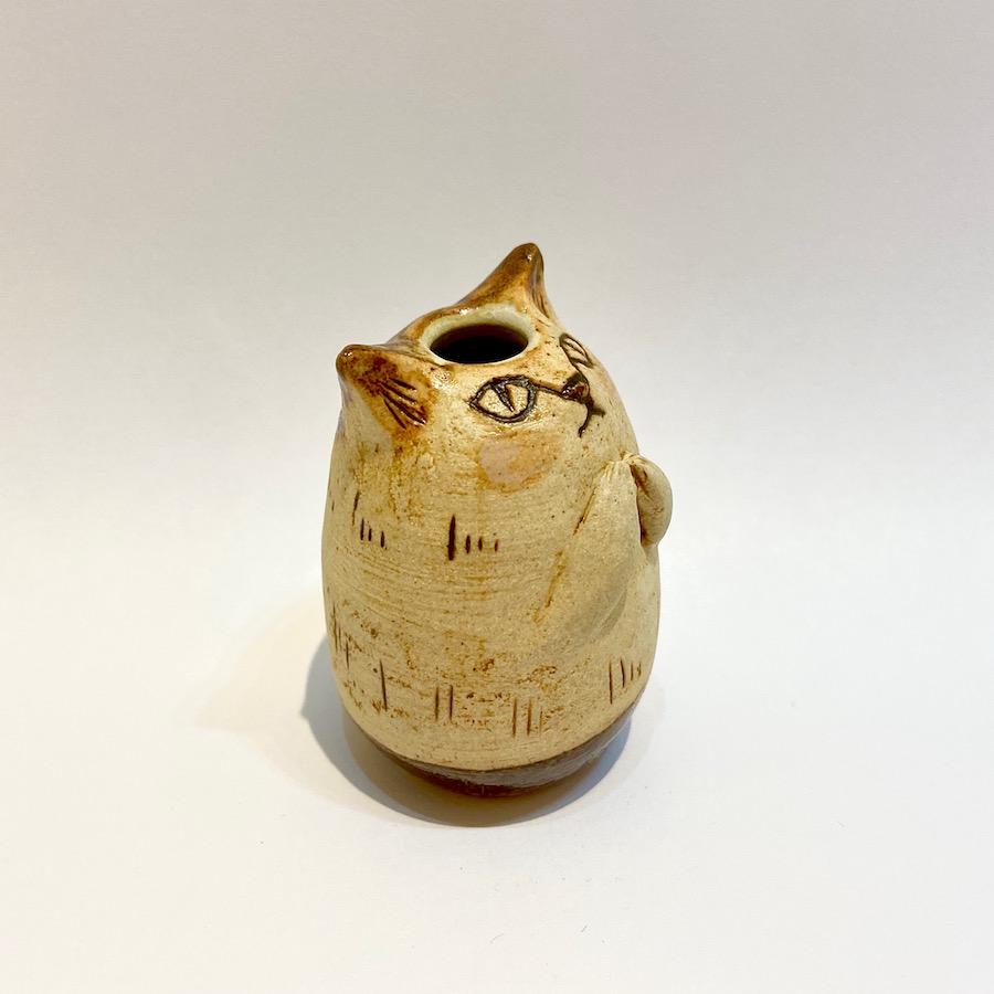 ネコの花いれ(祈り)-6